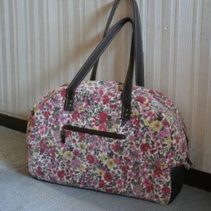 LIBERTYプリントで作ったボストンバッグです。