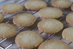 冬の定番クッキー。今年は何回焼けるかな。