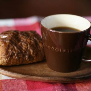 2016・1・11 チョコデニッシュとお気に入りのマグカップでコーヒータイム。