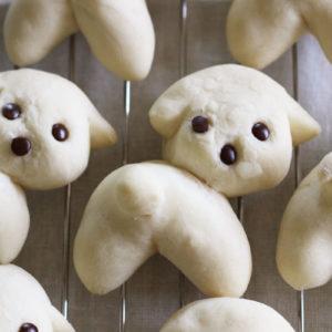 振り向きポーズのレオの白パン♡