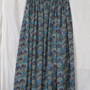 LIBERTYプリントで作ったロングスカート(姉・作)