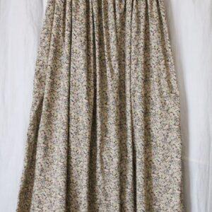 LIBERTYプリントで友人からの依頼で制作したロングスカート。(姉・作)
